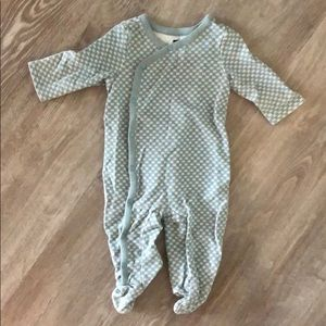 Tea footed onesie. Excellent condition!